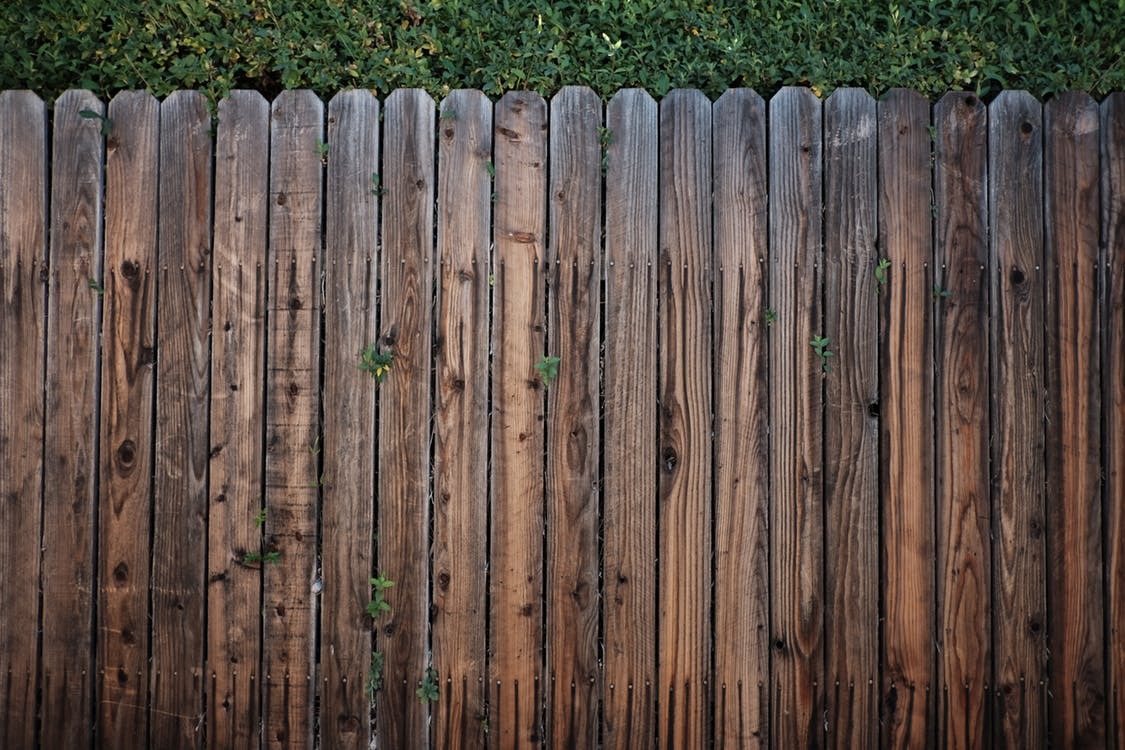 The Benefits of Installing a Fence for Your Pets