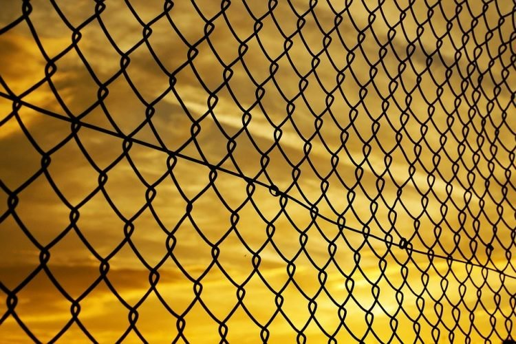 How to Choose the Right Fence for Your Commercial Property?
